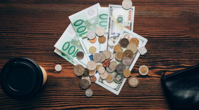 So sparst du mit einer Auslandsüberweisung bares Geld!